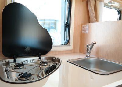 Wohnmobil XGO Dynamic 95 G - Waschbecken und Herd